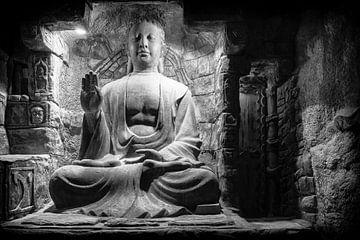 """«Trois choses ne peuvent pas être longtemps cachée: le soleil, la lune, et la vérité"""", Buddha Q sur Hans Brinkel"""