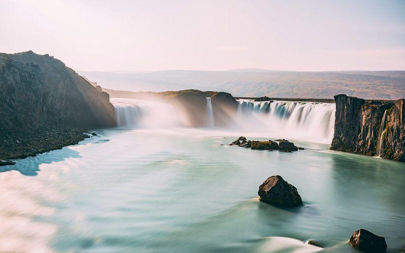 Waterfall of the Gods van Maikel Claassen