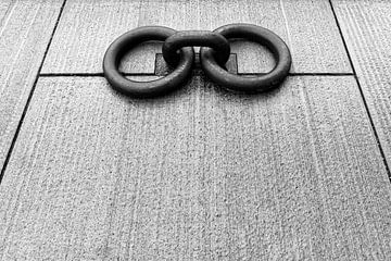Ringe auf dem Kai (2) von Ronald Mallant