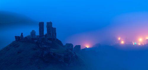 Mist rondom Corfe Castle van