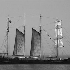 Zwart-wit      Vier master, schip     Old look / black & white van Anja Kok