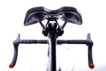"""Details van de wielrennersfiets """"zadel en stuur"""" van Diane Bonnes"""
