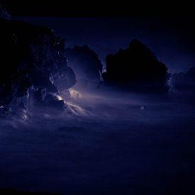 The night is blue van Bram van Kattenbroek