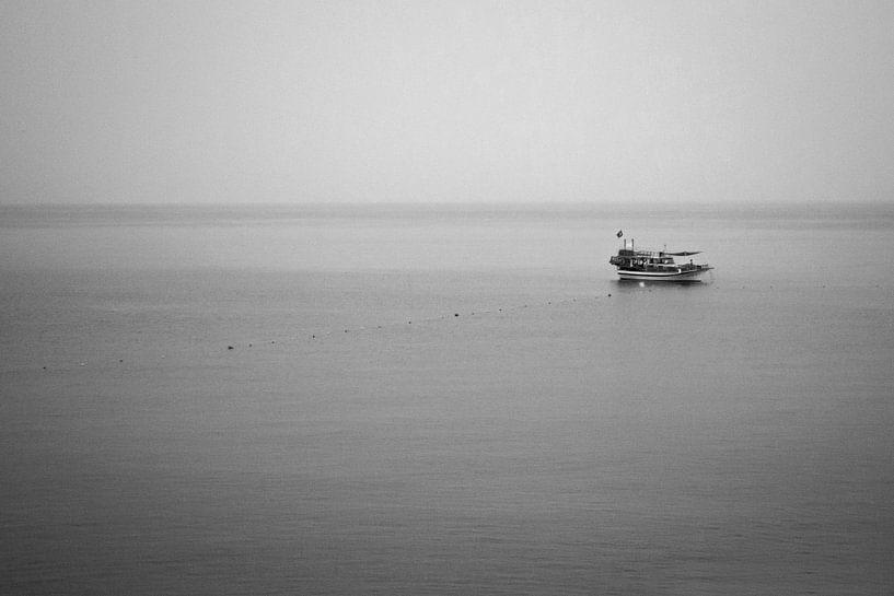Alleen op zee van Ratna Bosch