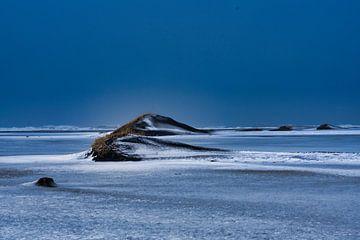 Winter in Island, die Kälte scheint von Henry Oude Egberink