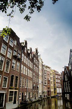 Amsterdamse herenhuizen aan de gracht van Ricardo Bouman