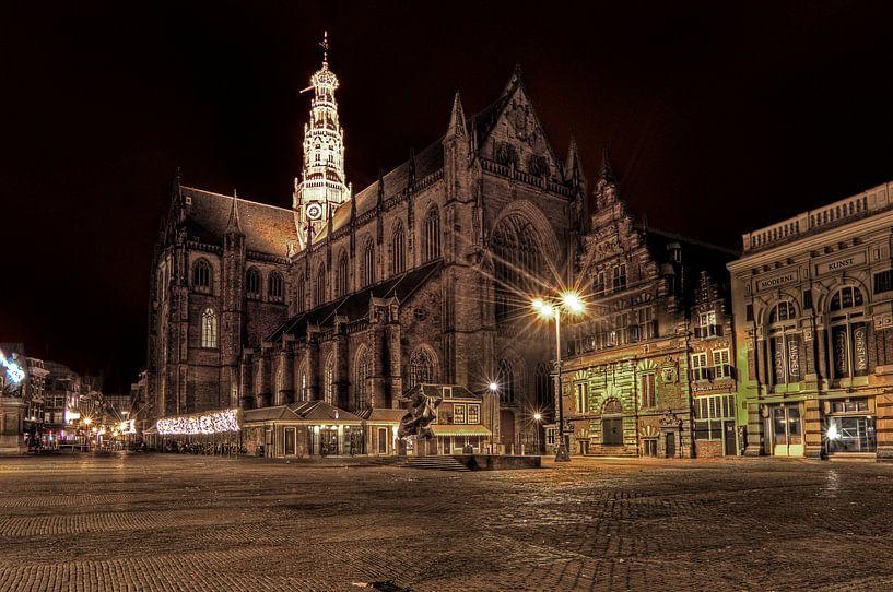 St Bavo Haarlem at night van Wouter Sikkema