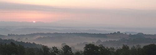 Tuscan Sunset van Lars Bemelmans