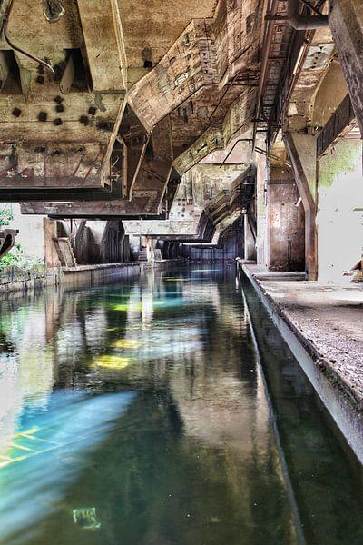 Koelbak oude staalfabriek 2 von Nart Wielaard