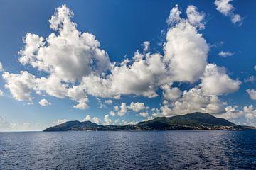 L'île d'Ischia dans le golfe de Naples, en Italie. sur Christian Müringer