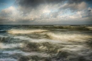Woeste zee. van
