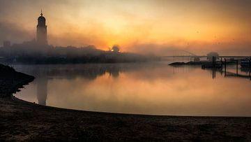 Nebliger Sonnenaufgang von Patrick Rodink