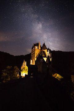 ghostly Eltz Castle von Marcel Derweduwen