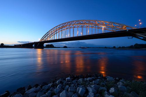 Waalbrug bij Nijmegen  van Merijn van der Vliet