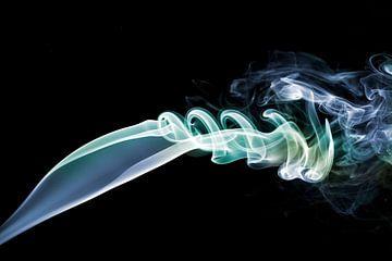 Foto van rook met verschillende kleuren von Liesbeth van Asseldonk