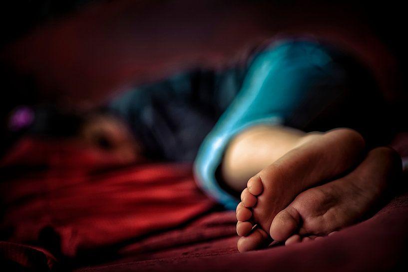 Slapend kind von Huibert van der Meer