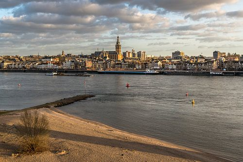 Stadgezicht Nijmegen - gouden uur van
