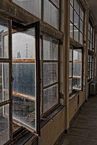 """Les anciennes fenêtres de la centrale a Zwevegem """"Transfo"""" sur Christophe Fruyt"""