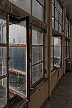 """Oude ramen van de Zwevegemse centrale """"Transfo"""" van"""