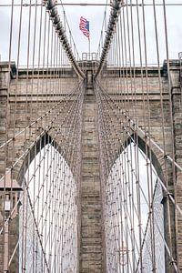 Brooklyn Bridge New York met Amerikaanse vlag van