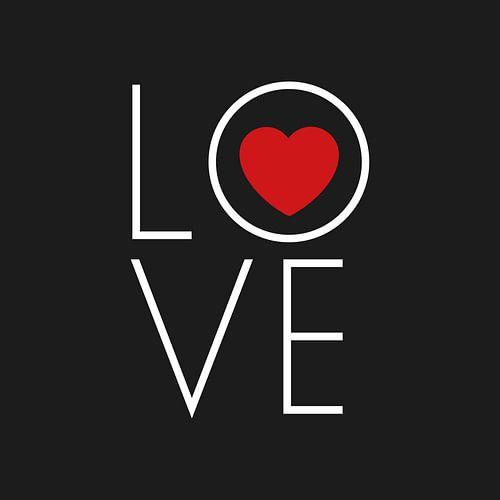 Canvas met rood hart en witte letters die love vormen von Mike Maes
