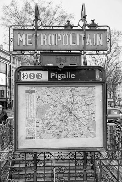 Place Pigalle in Parijs van Loek van de Loo
