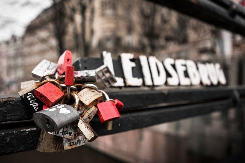 Lovelocks Leidsebrug van PIX URBAN PHOTOGRAPHY
