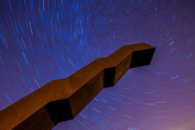 Startrails Vlooybergtoren van Bert Beckers