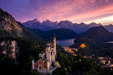 Sonnenuntergang auf Schloss Neuschwanstein von Tim Wouters