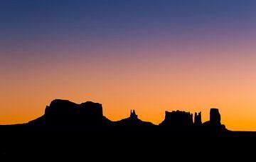 Silhouette des Monument Valley von Adelheid Smitt