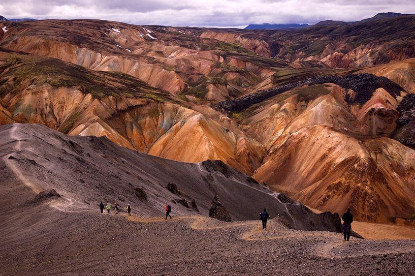 Colours of Landmannalaugar van Damien Franscoise