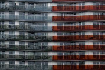 Gekleurde galerij van een flat