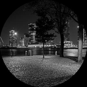 Rotterdam parkkade in zwart wit bij nacht van Eisseec Design