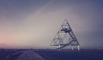 Ruimteschip Zeta - Tetraëder in Bottroop van Off World Jack