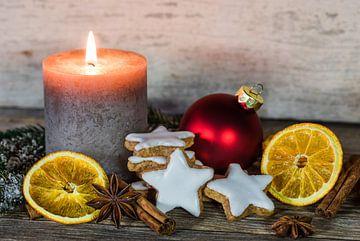 Versiering voor Advent en Kerstmis met kaars van Alex Winter