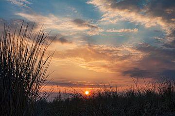 Zonsondergang aan de kust van de Oostzee van Rico Ködder