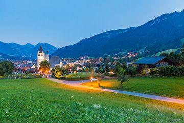 Kitzbühel in Tirol am Abend von Werner Dieterich