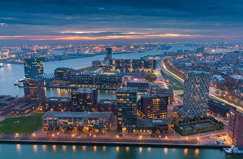 Rotterdam night lights von Ilya Korzelius