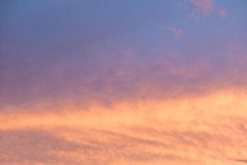 Zonsondergang, wolkenlucht van Ronald Smits