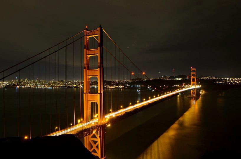 San Francisco - Golden Gate Bridge, Nachtportret - USA van Maurits Simons
