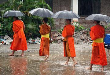 Bedelende monniken in Luang Prabang von Gert-Jan Siesling