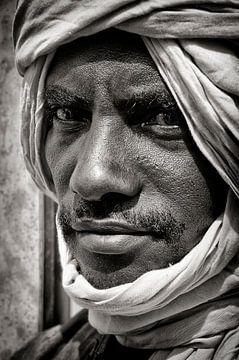 Touareg uit Timboektoe, Mali. von Ton Bijvank
