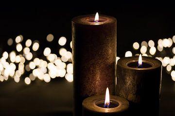 Brennende Kerzen von Bert de Boer
