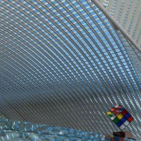 Moderne vormgeving in station Luik-Guillemins van Wim Stolwerk
