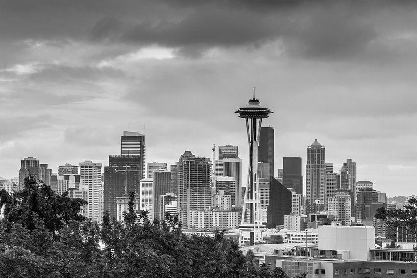 Skyline van Seattle met space needle van Ilya Korzelius