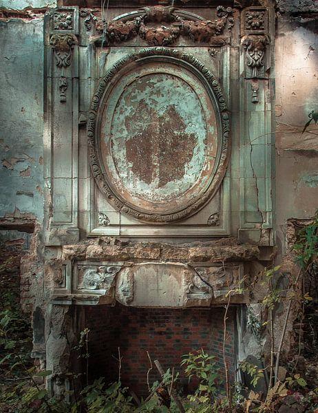 Burned fireplace van Olivier Van Cauwelaert