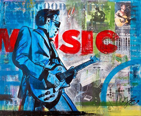 Music! Ik kan mij geen leven zonder muziek voorstellen! Een schilderij met mijn favoriete instrument, de gitaar.   De kleurige gelaagdheid, gebruik van acrylverf en het combineren van verschillende technieken en materialen (mixed media) kenmerken mijn werk en mijn eigen stijl. Mijn interesses laat ik graag terugkomen in mijn schilderijen en door de vorm, inhoud en teksten samen te voegen ontstaat er een sterke beeldtaal. Een schilderij is pas gelukt als ik het mooi vind. Ik volg mijn eigen smaak, let op de trends en kijk wat mij energie geeft.  De krantenknipsels, plaatjes uit tijdschriften, stukjes behang, letters, etc. worden met speciale lijm aangebracht en na een bepaalde droogtechniek, volgt de volgende laag. Deze laag over laag techniek zorgt voor veel dynamiek.   De teksten op mijn schilderijen zijn mijn lievelingsliedjes of mooie quotes van legendarische personen.  Wil je een schilderij laten maken? Dat kan! Heb je speciale wensen of ideeën wat betreft onderwerp, kleur, maat of materiaal, dan kun je met mij contact opnemen. In overleg kan ik elk werk voor je personaliseren. Mail gerust naar info@janetedens.nl!