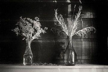 Stilleven van bloemen van Juliën van de Hoef