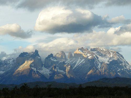 mountains 2 van