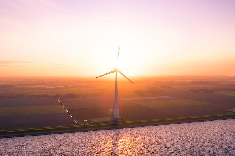 Windmolen zonsopgang urk van Thomas Bartelds